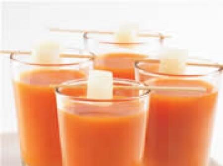 Sopa Fria de Tomate com Cenoura