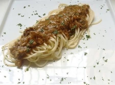 Spaghetti com Ragú de Filé Mignon e Cogumelos