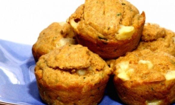 Muffin de Queijo, Tomate e Manjericão
