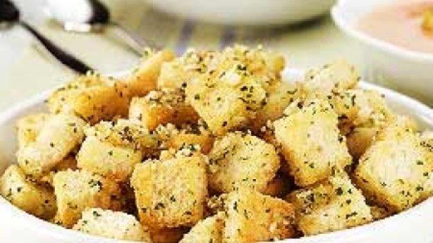 Croutons Com Salsinha e Cebolinha