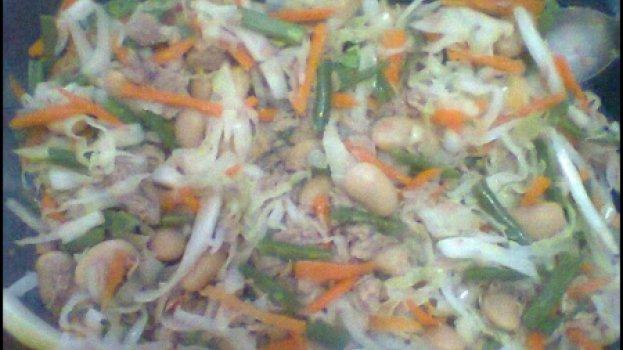 Salada de Feijão em Lata com Atum
