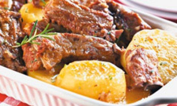 Costelinha de porco com batata