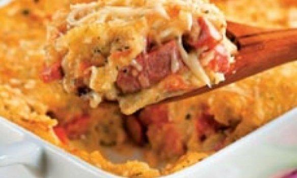 Salsicha com purê de batata ao forno