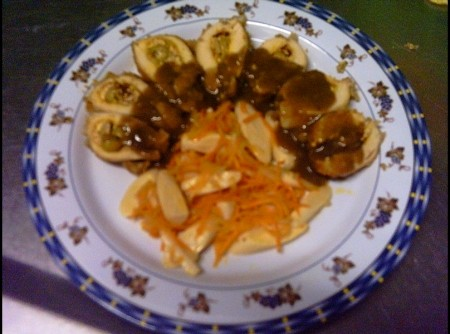 Peito de Frango Recheado com Sautée de Cenoura e Palmito