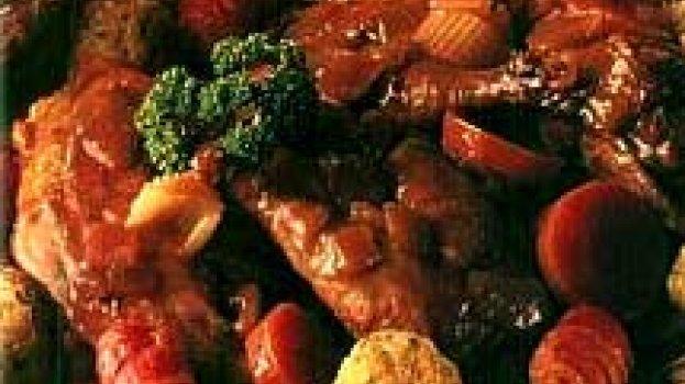 Caçarola de Frango com Bolinhos Recheados