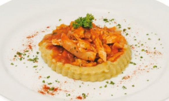 Polenta com frango à italiana