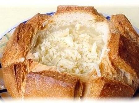 Sopa de Queijo Brie