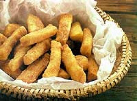 Mandioca Empanada e Frita