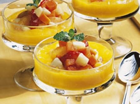 Salada de frutas com creme de manga