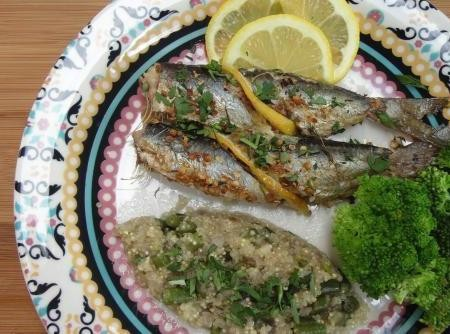 Sardinhas com Ervas Assadas e Risoto de Quinoa com Legumes