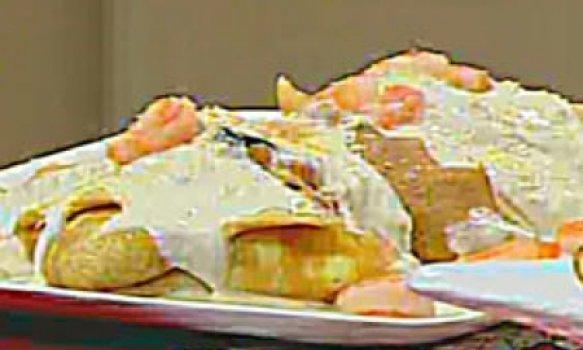 Panqueca de camarão com molho branco