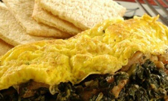 Omelete de espinafre com lingüiça