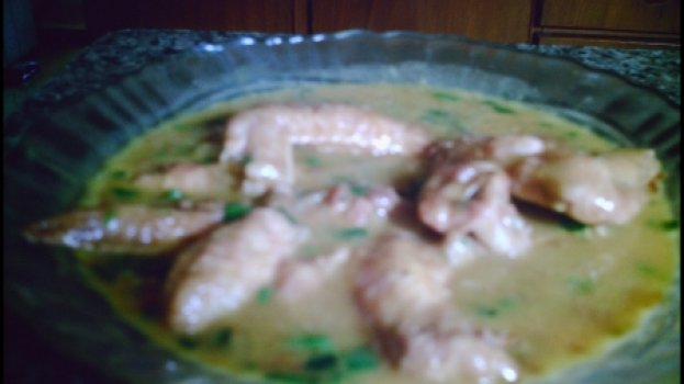 Asa de frango ao molho de jurubeba