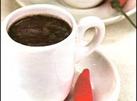 Caldo de feijão preto com cachaça