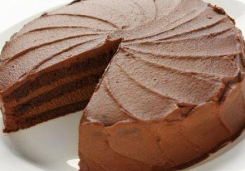 Bolo de chocolate com recheio cremoso