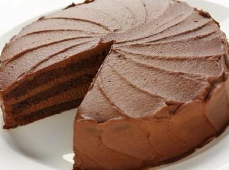 Bolo de chocolate com recheio cremoso | Midian Alves de Lacerda