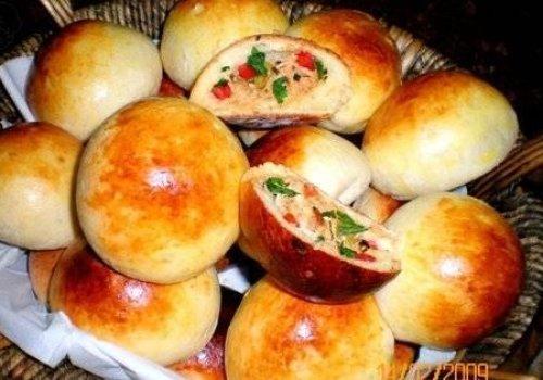 Pãozinho de batata recheado com frango e catupiry