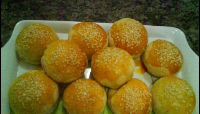 Mini paezinhos de batatas recheados