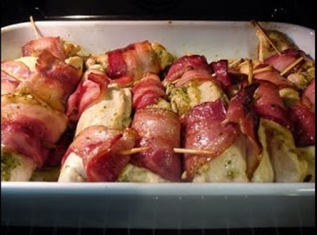 Peito de Frango com Bacon e Pesto