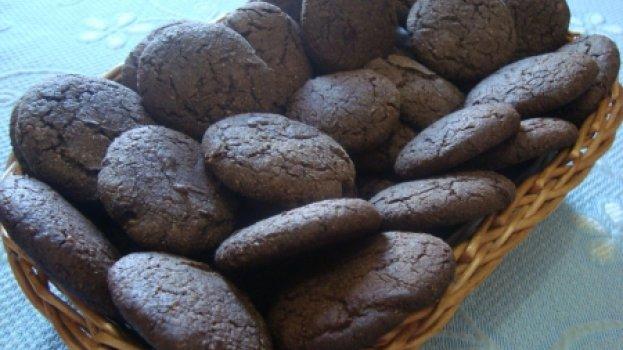 Cookies caseiros de chocolate e castanhas