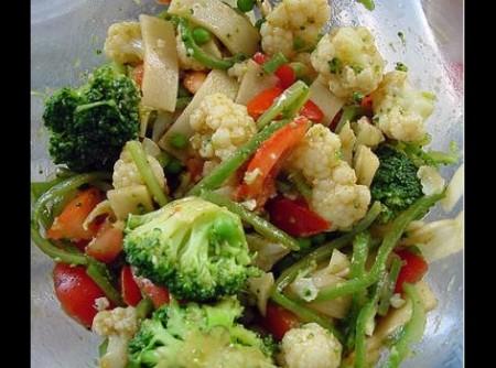 Salada de Legumes com Vinagrete de Curry e Molho de soja | CyberCook