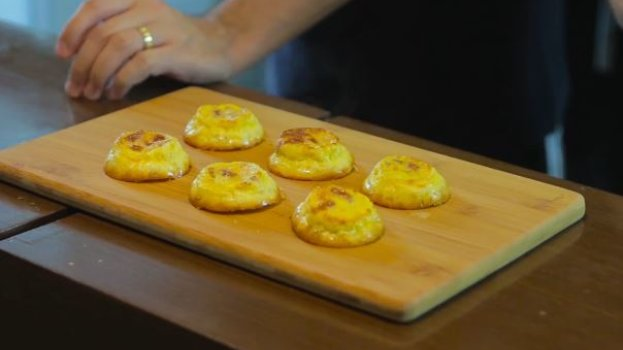 Pão de Queijo com Calabresa e Cream Cheese