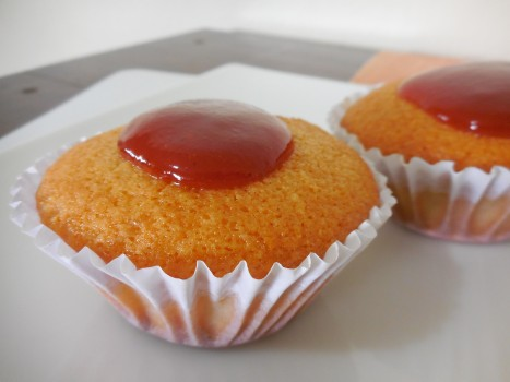 Cupcake de Fubá com Calda de Goiabada