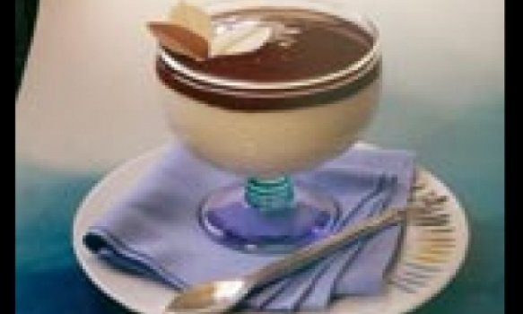 Mousse de Chocolate Branco com Cobertura