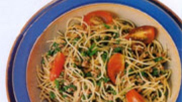 Espaguete ao Molho de Rúcula