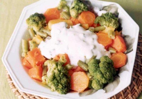 Legumes ao Molho de Iogurte