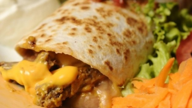 Burritos de filet com cheddar