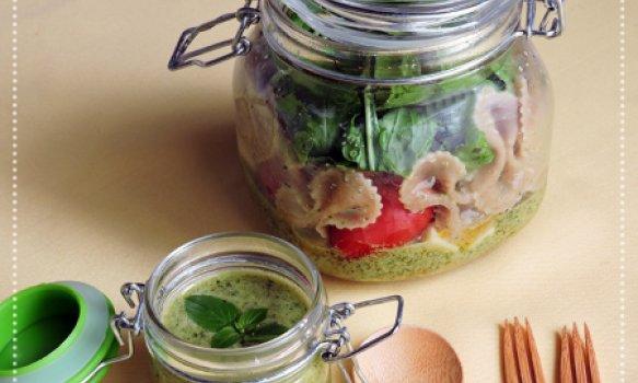 Salada de Macarrão ao Molho Pesto no Pote