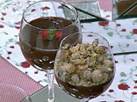 Creme de Chocolate Com Farofa de Farinha Láctea