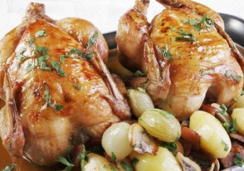 Poulets Cocotte Grand' Mère (Galeto Assado com batatas)