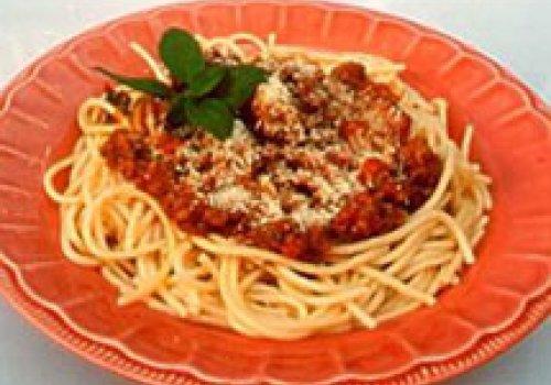 Espaguete com Molho à Bolonhesa ou Ragu Bolognese