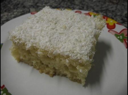 Bolo Gelado de Coco com Leite Condensado