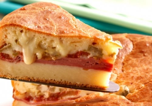 Torta de Liquidificador de Mortadela e Cream Cheese