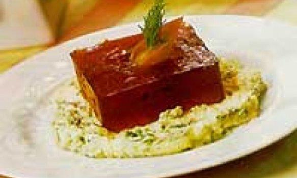 Gelatina de hibisco com salmão