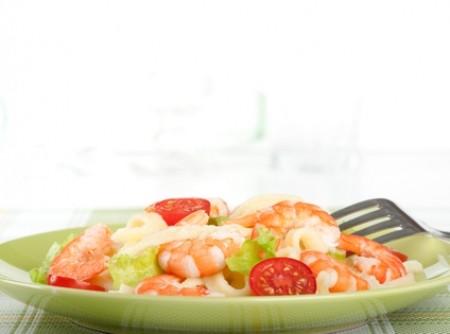 Salada de Camarões com Molho Agridoce