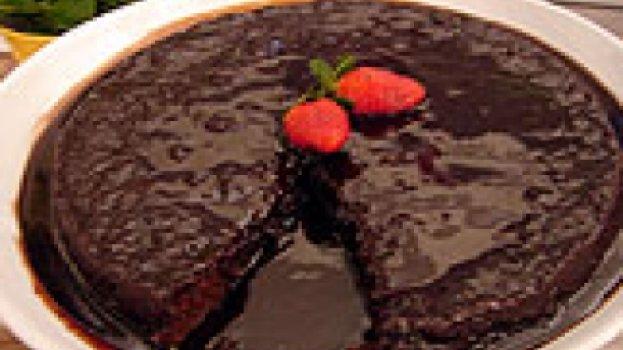Bolo Preguiça de Chocolate -  com Calda