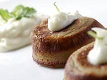 Gâteau de Goiaba com Calda de Requeijão