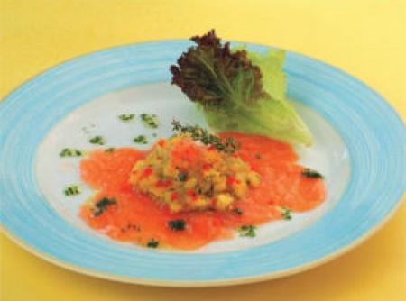 Carpaccio de salmão e molho de manga