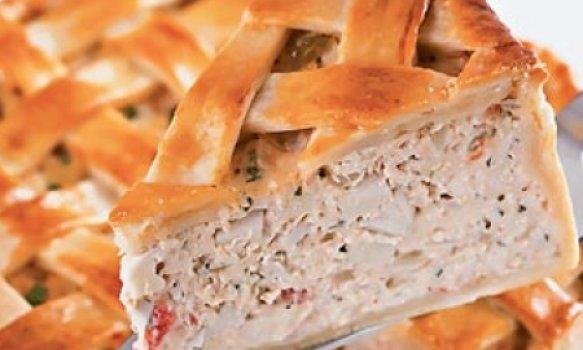 Torta de frango com creme de palmito