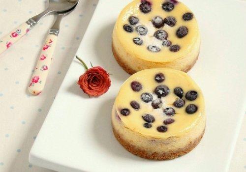 Mini Ccheesecakes de Baunilha e Mirtilos