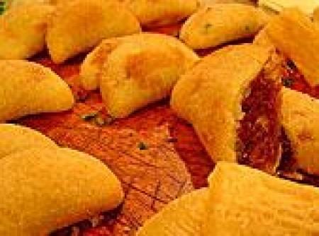 Risolis de Mandioca com Recheio de Carne Seca
