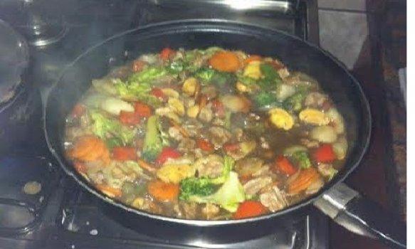 Carne Oriental com Vegetais