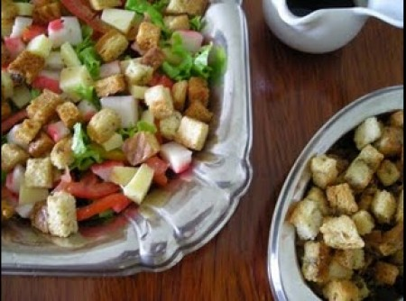Salada de Kani, manga e abacaxi
