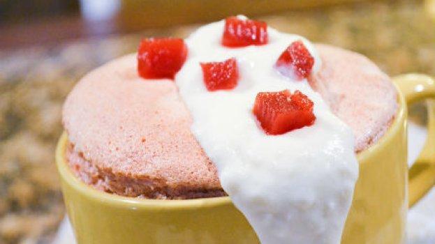 Suflê de Goiabada com Calda de Cream Cheese
