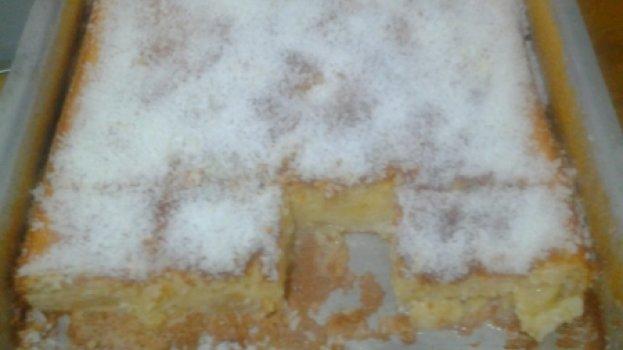 Bolo de Abacaxi com Leite Condensado