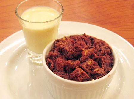 Panetone Pudding de Chocolate com Creme Anglaise
